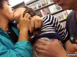 Two dudes fuck mouth and pussy of Yukina Aizawa at the bookstore