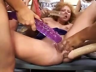 Shocking brunette fingering and toying pussy