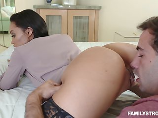 Long legged busty brunette MILF Gia Vendetti fucked in stockings