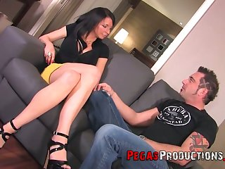 Face strapon sex for insatiable and hot blooded Canadian chick Peaches Gold