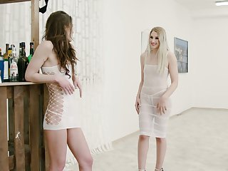 Ardent Hungarian lesbo Diane Christall is made for some fingering
