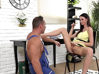 Sexy housewife Eveline Neil teses the plumber and gets fucked