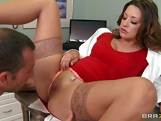 Hardcore fucking on the hospital bed with glamorous doctor Carmen