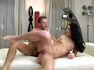 Rocco Siffredi welcomes Leanne Lace who comes to be fucked